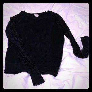 Black Mossimo sweater w/lace sleeves sz M